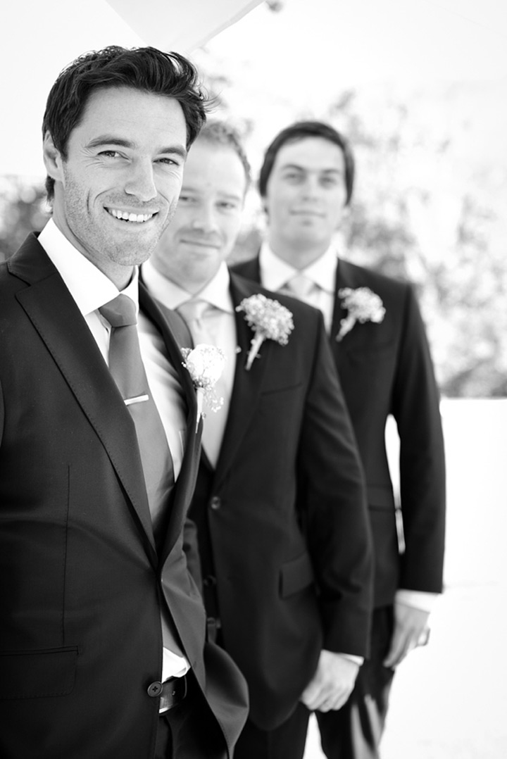 27 Awesome Groomsmen Photos ~ we ♥ this! moncheribridals.com
