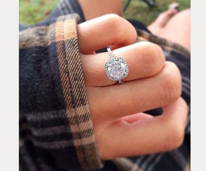 8 Selfie Engagement Rings We Love!