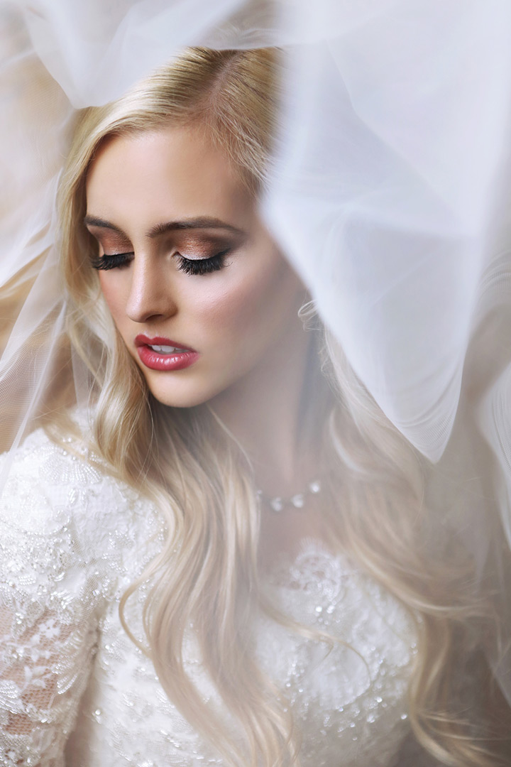 bridal makeup with red lips ~ we ❤ this! moncheribridals.com
