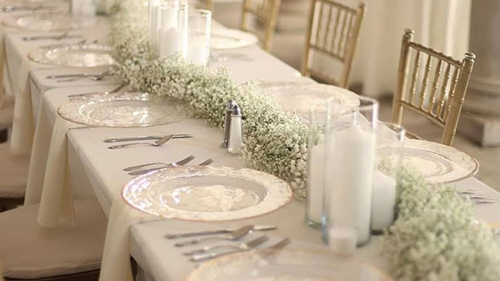 Elegant & Understated Gypsophila As Wedding Decor